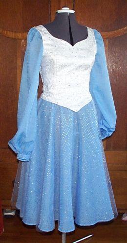 03-17-03, Kristien's dress 01